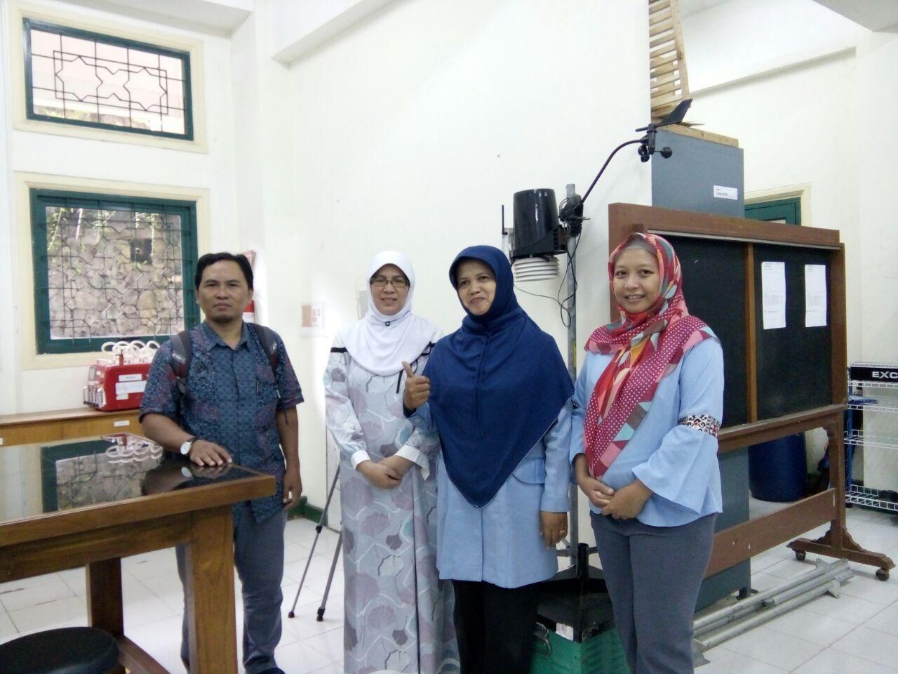 Penelitian Bersama Dosen Jurusan Statistika dan Dosen Universitas Islam Indonesia