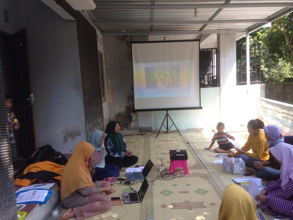 Abdimas Manajemen Keuangan keluarga dan Matematika di Tanjungsari, Sleman