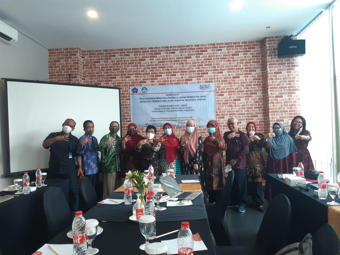 Pelatihan Penyusunan Rancangan Pembelajaran Semester (RPS) berbasis Merdeka Belajar-Kampus Merdeka (MBKM)